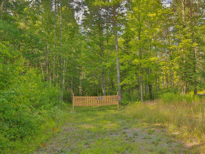 Acreage On Oak Drive : Hazelhurst : Oneida County : Wisconsin