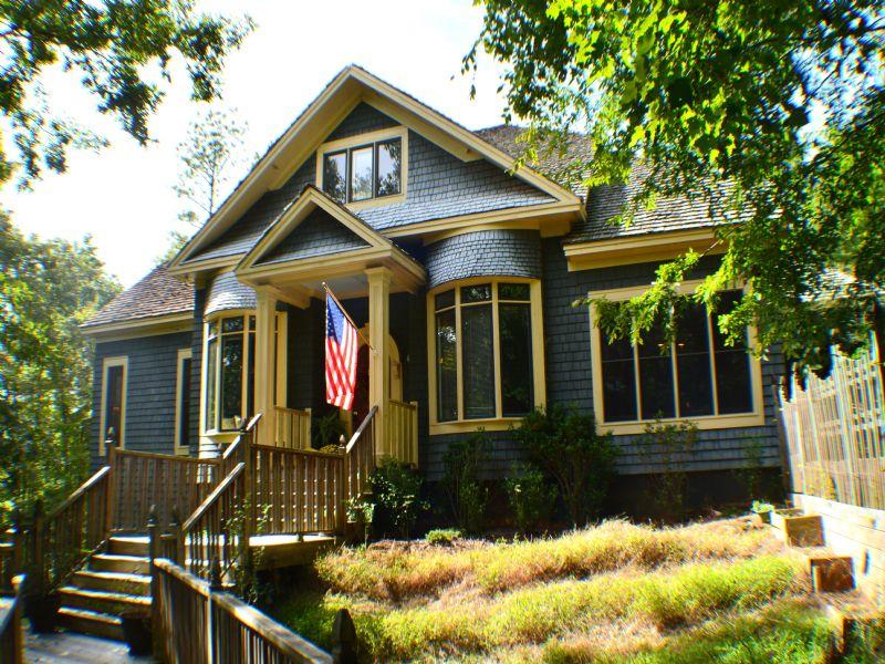 Unique Grace Cottage On 6.37 Acres : Pittsboro : Chatham County : North Carolina