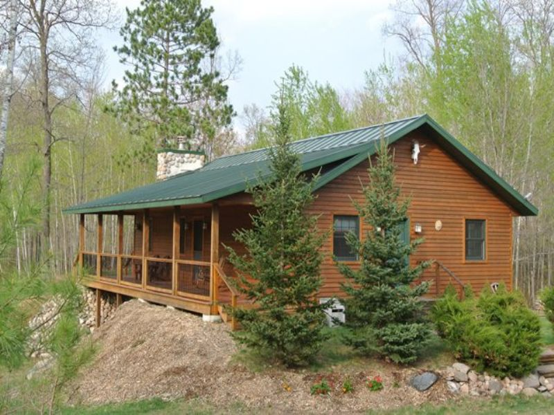 Hazelhurst Cedar Sided Home : Hazelhurst : Oneida County : Wisconsin