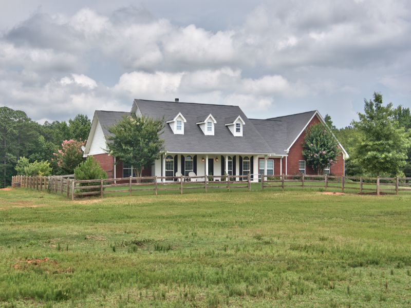 Turnkey Farm With Home And Barn : Social Circle : Walton County : Georgia