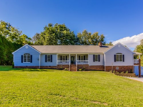 9.71 Acres W/ Lovely Home : Maidens : Goochland County : Virginia