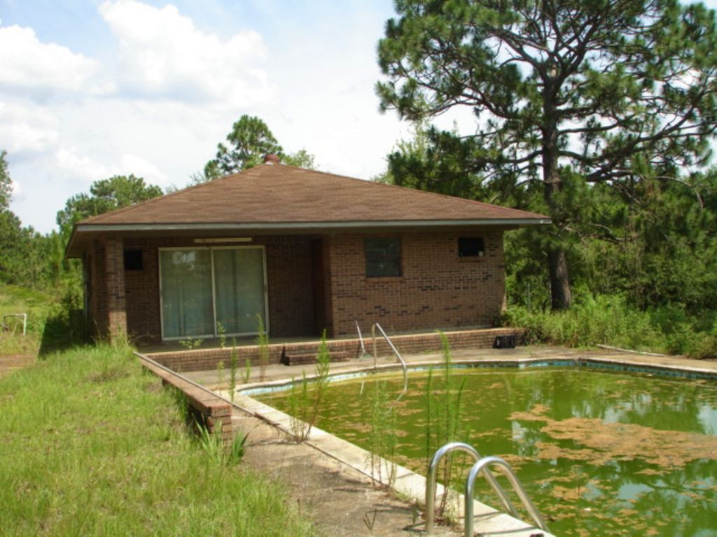 30 Acres With Cabin And Pool : Sylvester : Worth County : Georgia
