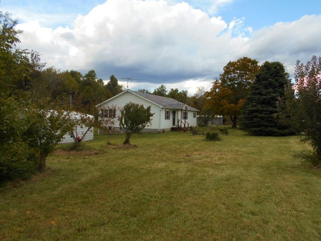 Absolute Auction- Hobby Farm & P P : Reelsville : Putnam County : Indiana