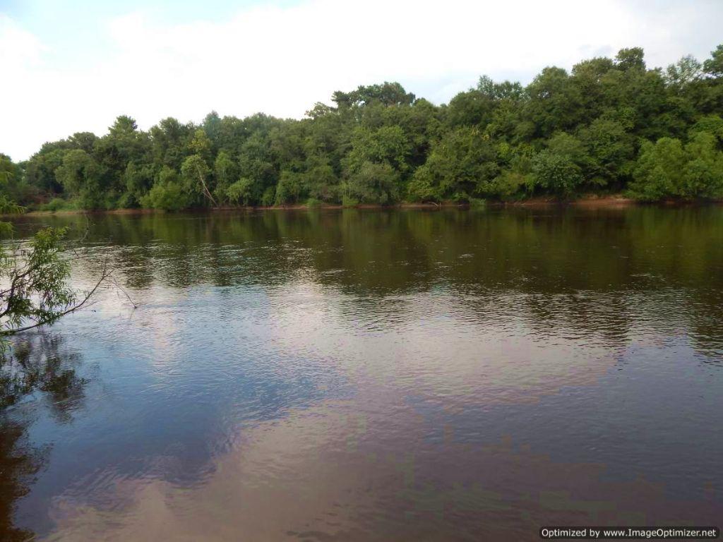 Recreational Getaway On Leaf River : McLain : Greene County : Mississippi