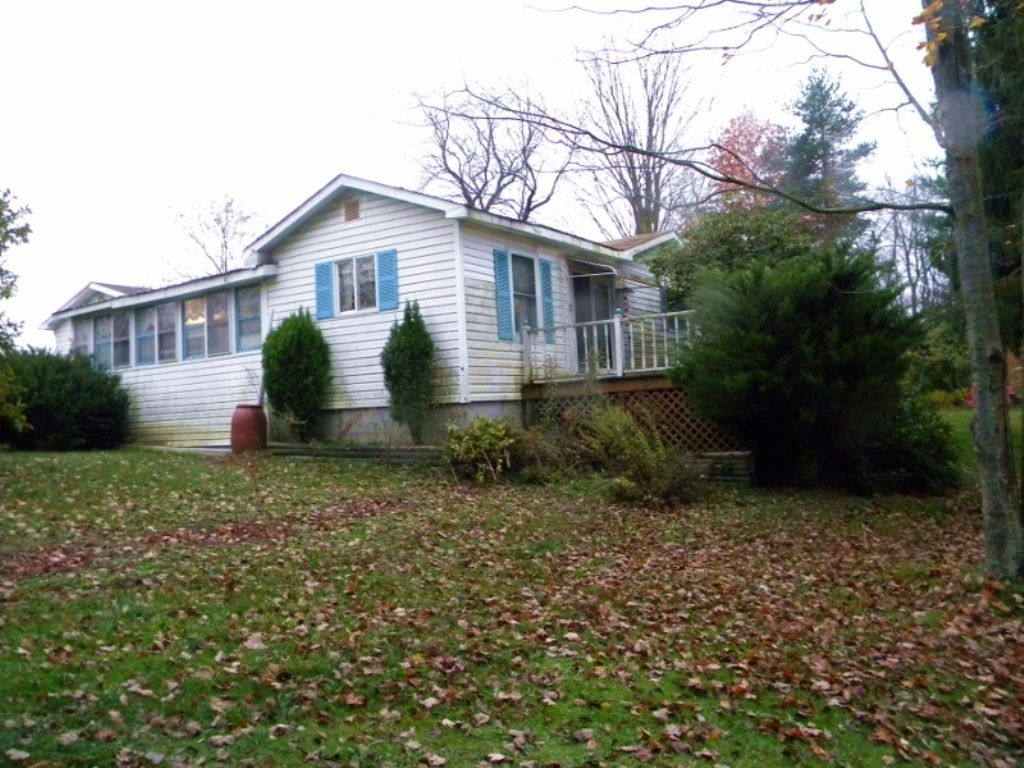 Country Home & Land Auction : Lawrenceville : Tioga County : Pennsylvania