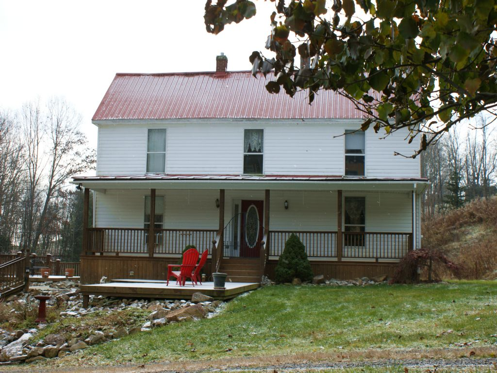 Beautiful Circa 1900 Home & 5 Acres : Troutdale : Grayson County : Virginia
