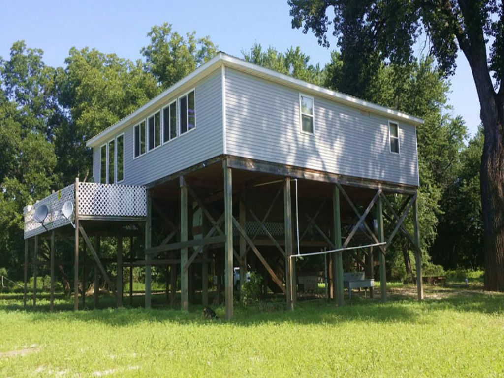 32 Ac River Hunting Farm And Cabins : Hull : Pike County : Illinois