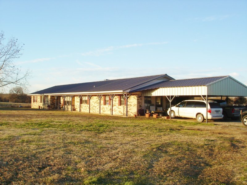 Ranch Style Home On Small Acreage : Blossom : Lamar County : Texas