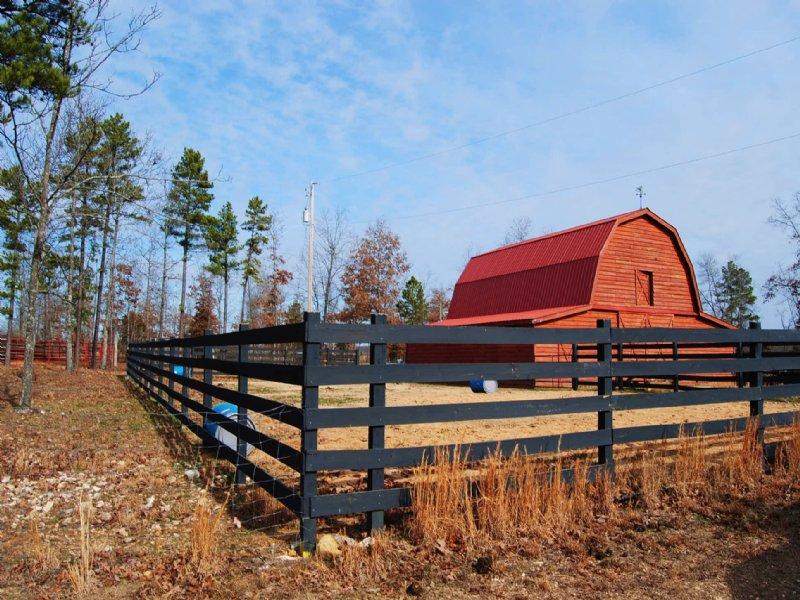 Farm Close To Mountain View : Mountain View : Stone County : Arkansas
