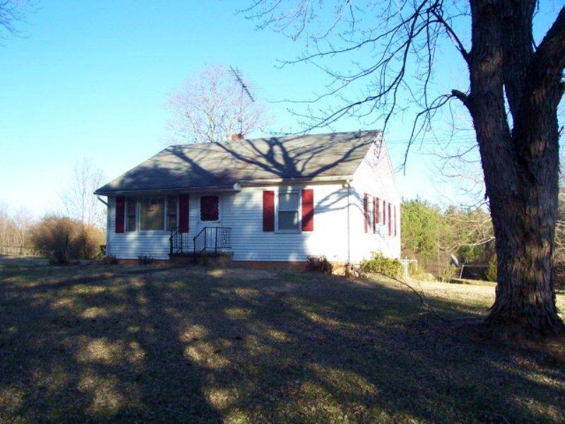 Cedar Tavern : Brookneal : Charlotte County : Virginia