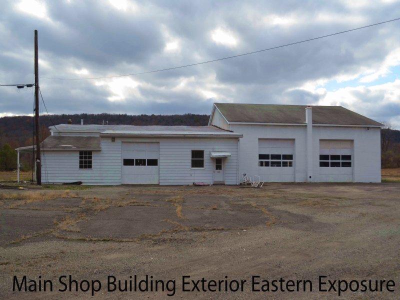 Farmland W/ Comm. Buildings On Rail : Falls : Wyoming County : Pennsylvania