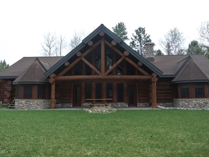 Full Log Chalet Home In Minocqua : Minocqua : Oneida County : Wisconsin