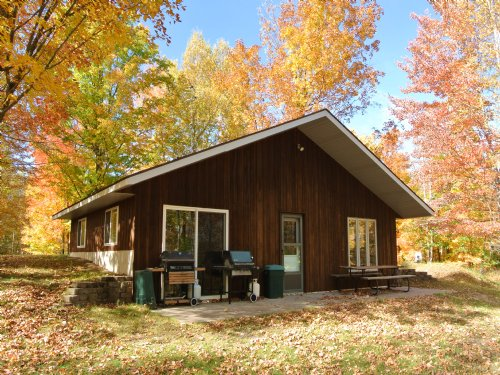 The Ultimate Hunting Camp : Minocqua : Oneida County : Wisconsin